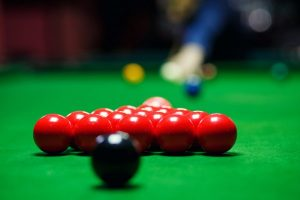 ball-and-snooker-player